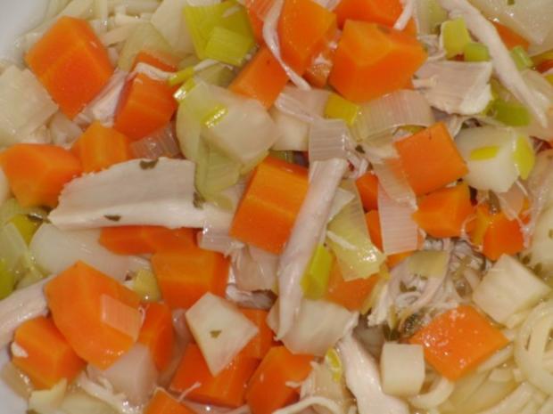 Suppe : Hühner-Eintopf mit Wintergemüse und Suppennudeln nach Wahl - Rezept - Bild Nr. 7