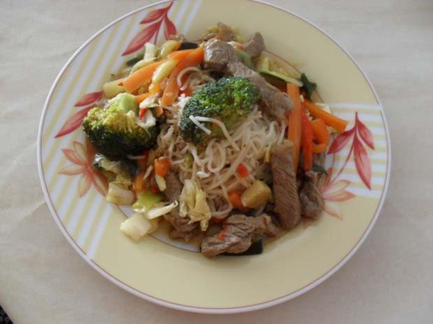 Rindfleisch scharf - aus dem Wok mit Gemüse - Rezept - Bild Nr. 9