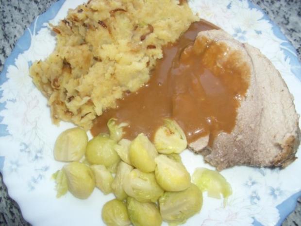 Schweine Rollbraten mit Rosenkohl und Kartoffelpürre - Rezept - Bild Nr. 5