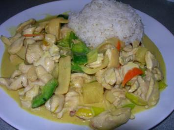 Hühnerfleisch mit Bambus in Currysauce - Rezept