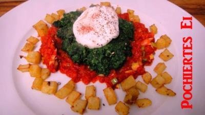 Pochiertes Ei auf Sahnespinat-Tomaten-Concassée-Bett - Rezept