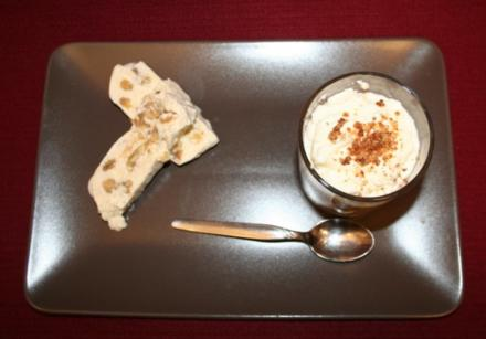 Gammeldags Æblekage mit Vanille-Walnuss-Parfait - Rezept