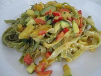 Linguine mit Paprika, Zucchini und Safran - Rezept