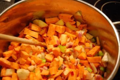 Süsskartoffel-Möhren-Kokos Suppe - Rezept