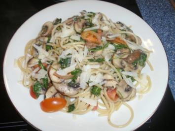 Spaghetti mit Champignons und Rucola - Rezept