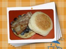 Toast-Brötchen mit Blaubeeren & Schinken - Rezept