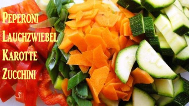 Wurst-Pfanne mit Gemüse auf Senf-Saucen-Spiegel - Rezept - Bild Nr. 5