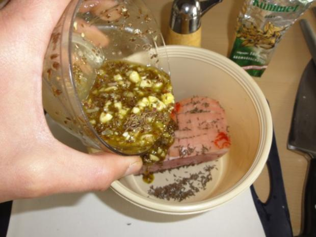Kümmelbraten vom betrunkenen Schwein - Rezept - Bild Nr. 3