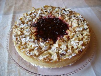 Apfel-Preiselbeer-Torte - Rezept