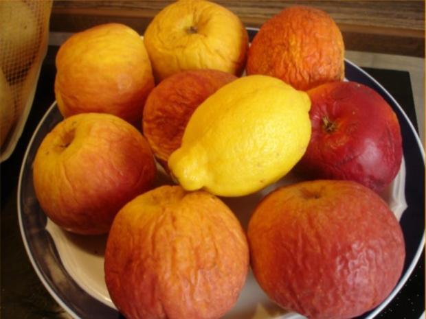 Selbstgemachter Kartoffelpuffer und selbstgemachtes Apfelmus - Rezept - Bild Nr. 2