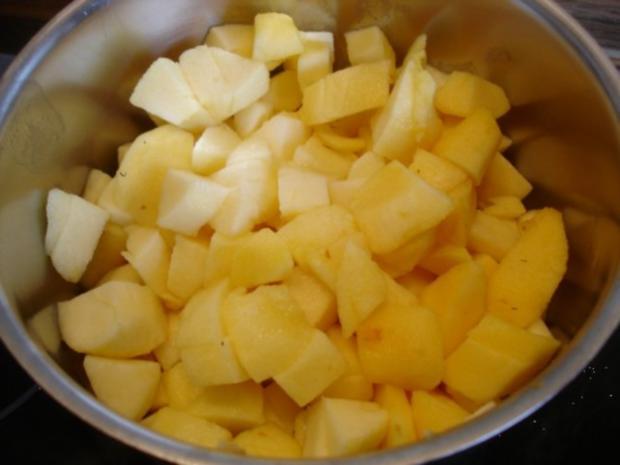 Selbstgemachter Kartoffelpuffer und selbstgemachtes Apfelmus - Rezept - Bild Nr. 6