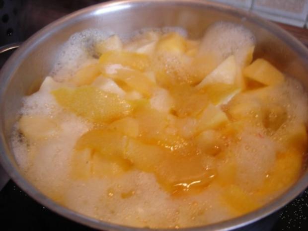 Selbstgemachter Kartoffelpuffer und selbstgemachtes Apfelmus - Rezept - Bild Nr. 8