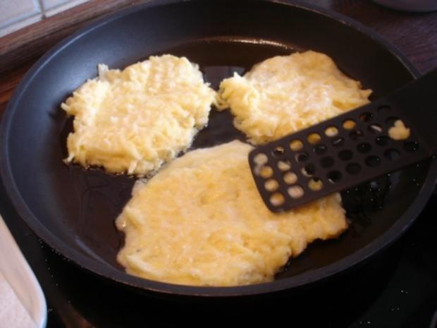 Selbstgemachter Kartoffelpuffer und selbstgemachtes Apfelmus - Rezept - Bild Nr. 20