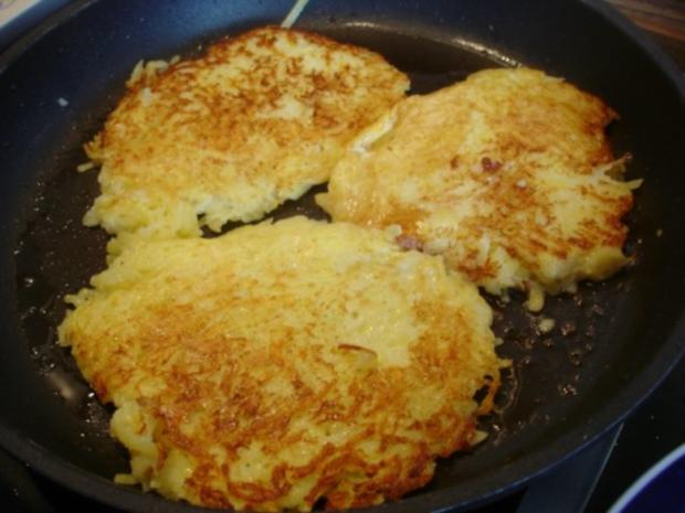 Selbstgemachter Kartoffelpuffer und selbstgemachtes Apfelmus - Rezept - Bild Nr. 22