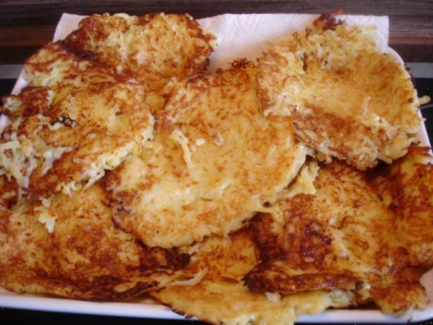 Selbstgemachter Kartoffelpuffer und selbstgemachtes Apfelmus - Rezept - Bild Nr. 24