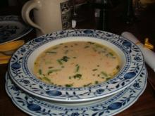 Suppen: Spargelcremesuppe mit Garnelen - Rezept