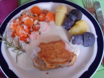 Parmesanfiletkrüstchen mit Möhrenblütengratin und Kartoffelpilzen mit Béchamelsauce - Rezept