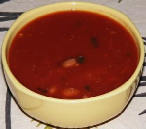 Pikanter Chilibohnen-Tomaten-Peperoni-Topf - Rezept