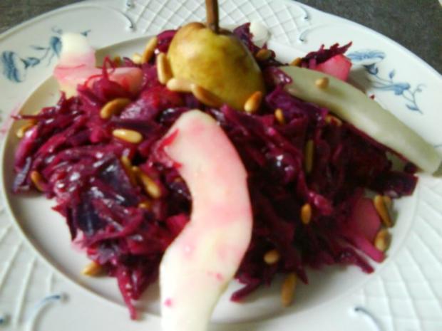 Rotkohlsalat mit Birnen und Pinienkerne (mit Photos) - Rezept
