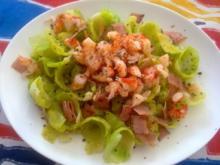 Rosenkohlblätter Salat mit Senfdressing - Rezept