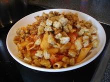 Tomaten-Fenchel-Nudeln mit Salami und Knusperwürfel - Rezept