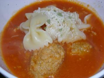 Rezept: Tomatensüppchen mit Klößchen