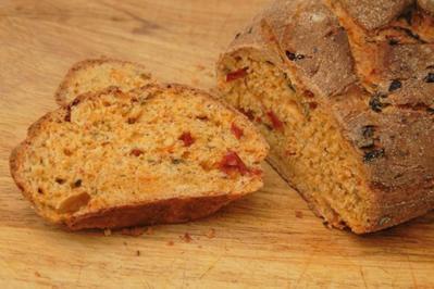 Rezept: Brot, mediterranes - nach Caro's Art