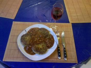 Kartoffeln: Kartoffel-Möhren-Bratlinge mit Knackerfüllung - Rezept