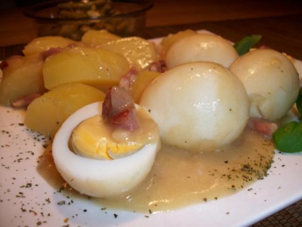 Senfeier mit Salzkartoffeln und Bohnensalat.....Norddeutsche Art......Wie bei meiner Oma.. - Rezept