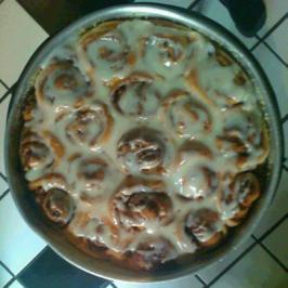 Cinnamon Rolls mit Cream Cheese Icing  -  Zimtrolle mit Guß - Rezept