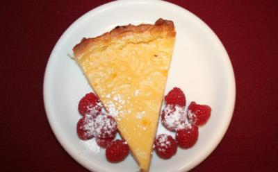 Zitronen-Limetten-Kuchen mit frischen Beeren - Rezept