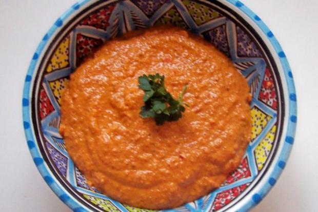 Syrische Mandel-Paprika-Paste