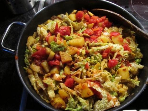 Kartoffel-Würstchen-Ragout - Rezept