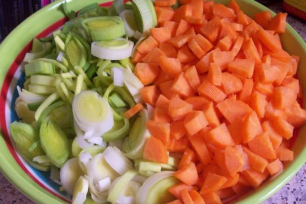 Allgäuer Kartoffelsuppe mit Lauch und Kräutern - Rezept - Bild Nr. 2