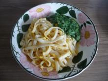 Fleischlose : Dinkelnudeln mit Ei und Spinat - Rezept