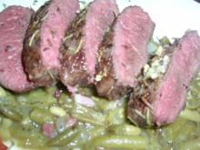 Kräuter-Lammlachse an knusprigen Würzkartoffeln und grünen Bohnen - Rezept
