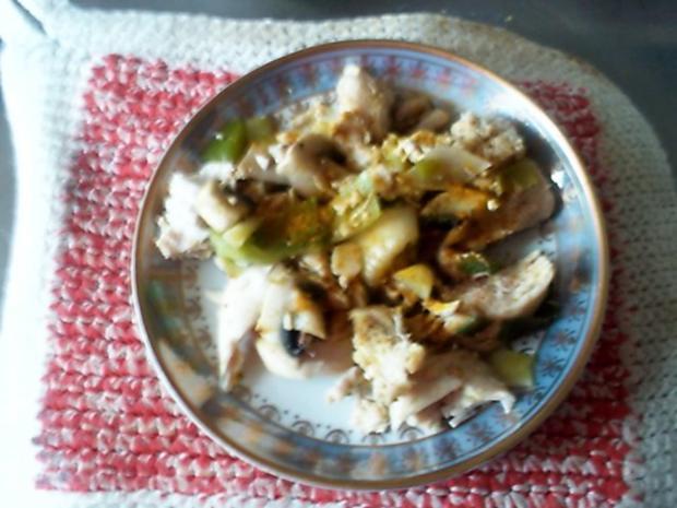 Curry-Hähnchenbrustsalat mit Lauch und Champignons - Rezept - Bild Nr. 6