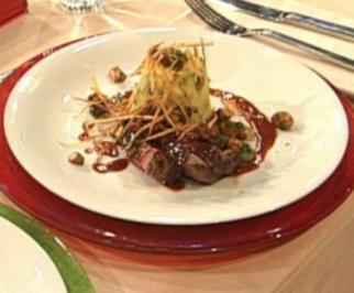 Tranchen vom Rinderfilet mit Pfifferling-Kartoffel-Flan a la Henssler - Rezept