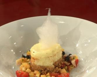 Obstsalat mit Cheesecake a la Mälzer - Rezept