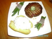 Rindersteaks mit Ofenkartoffeln und Speckbohnen - Rezept