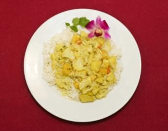 Rezept: Alu phul gobhi paneer sabji (Blumenkohl und Kartoffeln mit frittiertem Frischkäse – Claudia Hiersche)