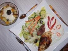 Hähnchenbrustfilet mit Salat und Zaziki - Rezept