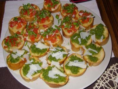 Bruschetta mit Basilikum-Pesto - Rezept