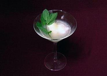 Zitronensorbet mit Limoncello und Wodka (Niels Ruf) - Rezept
