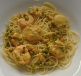 Spaghettini mit Meeresfrüchte und Gemüse-Safran-Sauce - Rezept