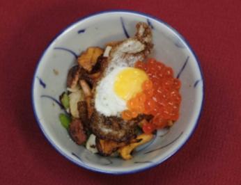 Wachtelei auf Pfifferlingen unter Kaviar (Ha Schult) - Rezept