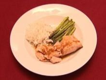 Gegrillter Lachs mit Ingwer-Soja-Sauce, grünem Spargel und Reis (Eloy de Jong) - Rezept