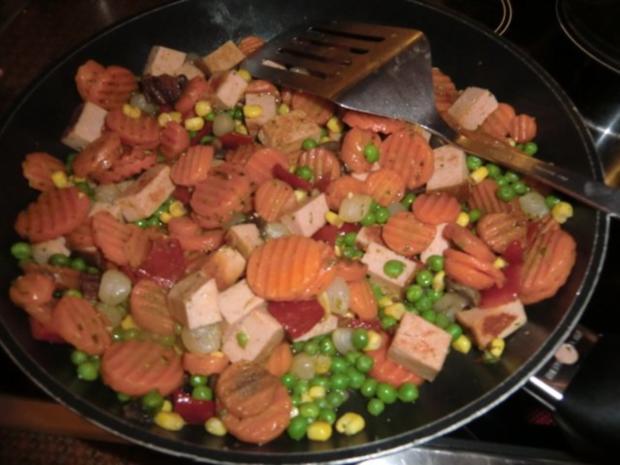 Fleischkäse-Gemüsepfanne mit Maultaschen - Rezept - Bild Nr. 2