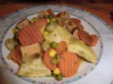 Fleischkäse-Gemüsepfanne mit Maultaschen - Rezept
