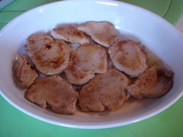 Überbackenes Schweinefilet mit Möhrenblütengemüse und zweierlei Kartoffelstampf - Rezept - Bild Nr. 7